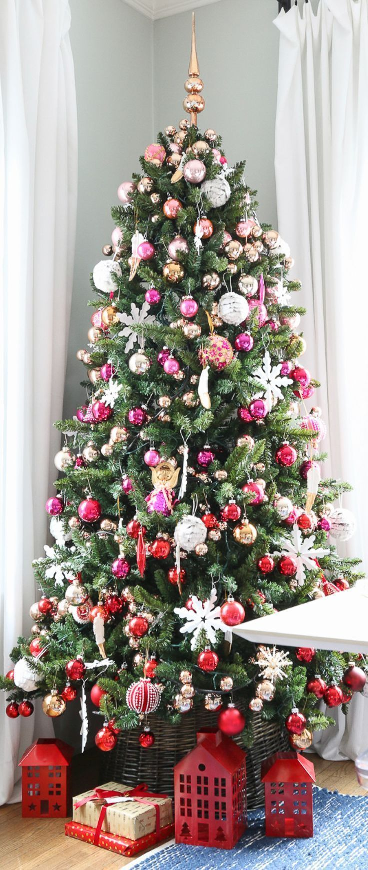 Red Pink Ombre Gradient Christmas Tree Christmas Decor Ideas Pink Christmas Tree Decorations Christmas Tree Decorations Christmas Tree Ornaments