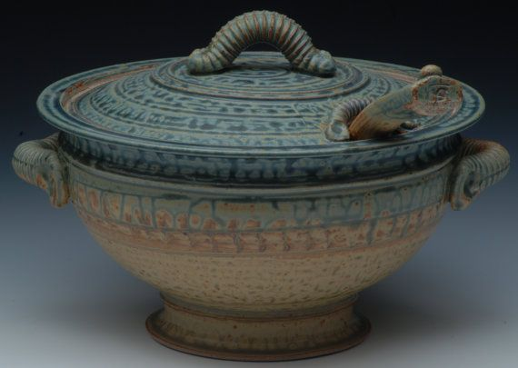 Hey, I found this really awesome Etsy listing at https://www.etsy.com/listing/261176443/stoneware-soup-tureen-with-ladle