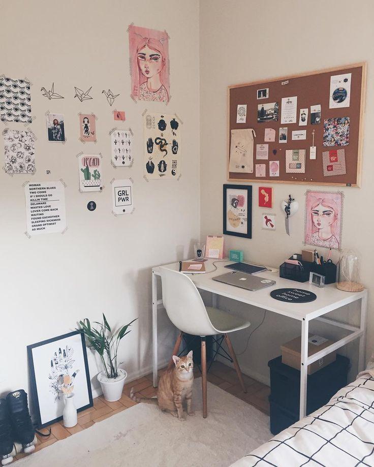 Cute Little Area For Your Desk Ide Dekorasi Kamar Ide