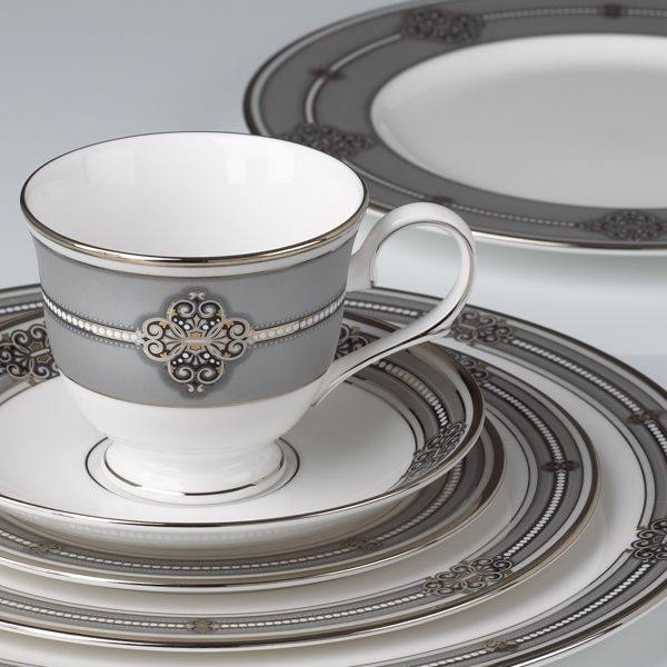 Platinum Accents And Classic Beading Combine To Give Ashcroft Dinnerware An  Old World Ambiance Perfect For Every Formal Table Setting. Nice Look