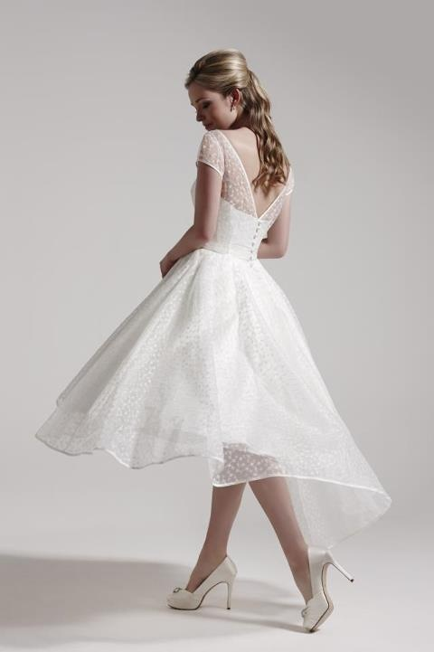cute short dress. if I did a short wedding dress, this would be it!