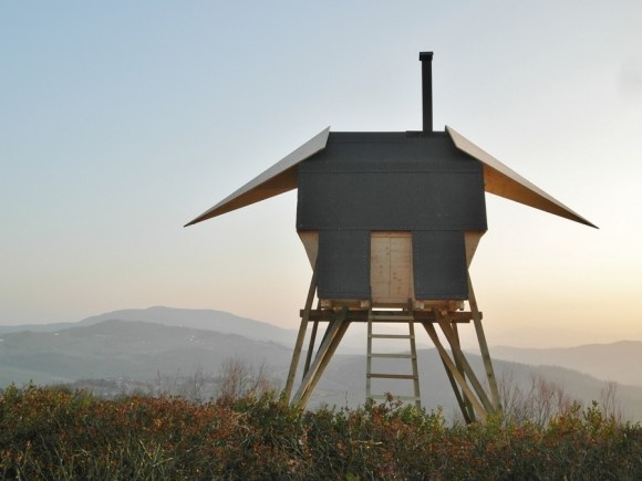 Huginn Muninn, Outdoor Sauna by Atelier Forte: Projects, Manter- Forts, Rome Italy, Italian Countryside, Wings, Trees House, Saunas Huginn, Nor Mythology, Ravens