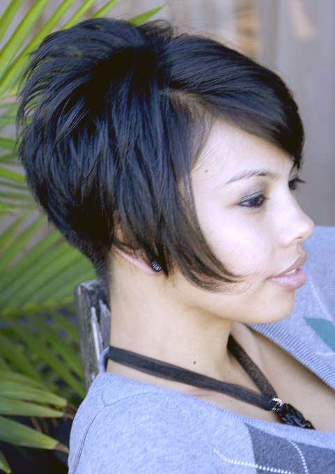 Inverted Bob Hairstyle Back View | HAIRXSTATIC: Angled Bobs [Gallery 7 of 8]