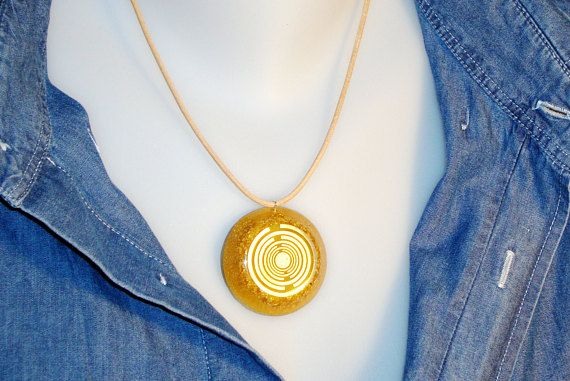 Orgone orgonite® all-powerful golden pendant, power of gold, with 2 gold plated (24K) MWOs by Lakhovsky, protection, EMF block, prosperity