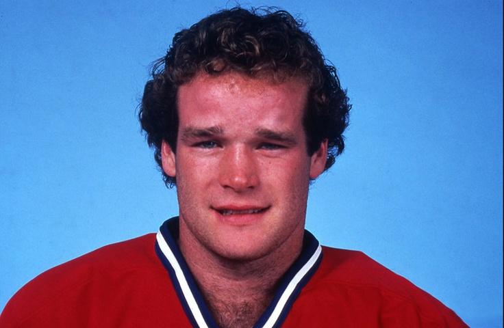 Mark Hunter, frère de Dale (Nordique de Québec) et Dave (Oilers d'Edmonton), a fait honneur à la réputation de la famille en accumulant pénalités et buts en quatre saisons à Montréal. Considéré comme le plus talentueux des trois frères de la célèbre famille Hunter, Mark a été sélectionné par les Canadiens au 7e rang de la 1re ronde du repêchage de 1981. L'ailier droit originaire de Petrolia en Ontario s'est taillé un poste au sein de l'alignement montréalais dès sa première tentative.