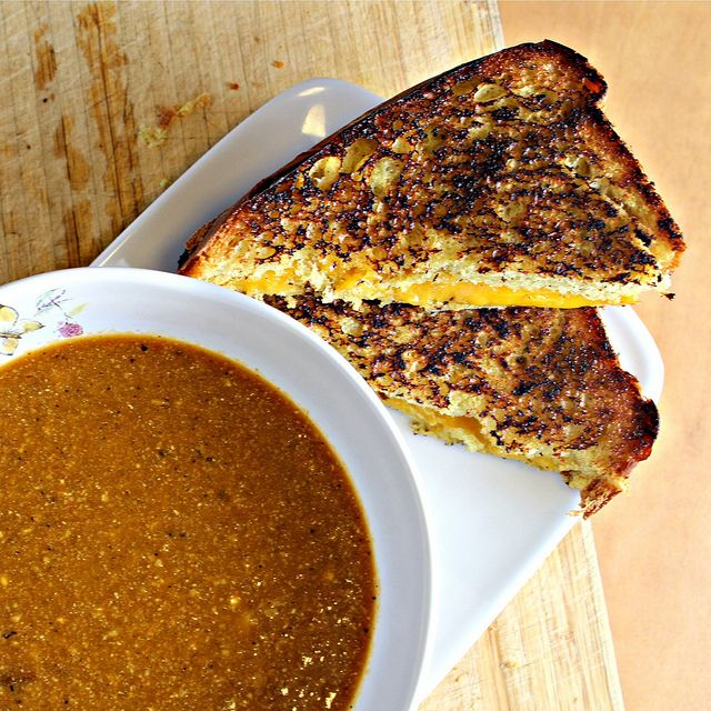 grilled cheese w/ honey curry bread & warm spicy cashew tomato soup - must try this...I've been craving grilled cheese since it got cold