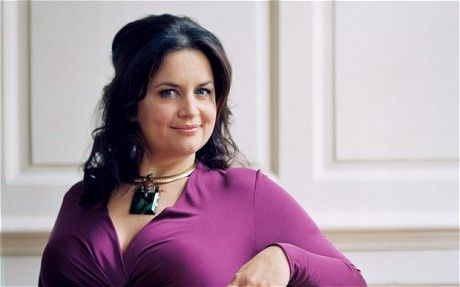 Ruth Jones..One of the best writers and actors of our time. Great comedic timing.