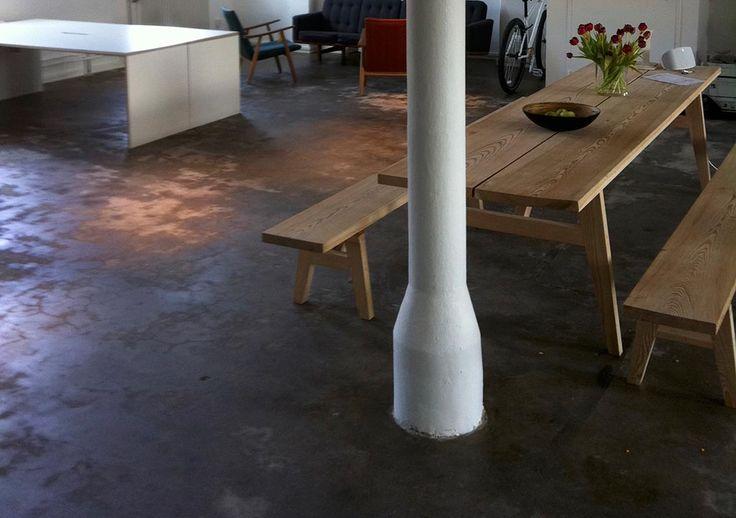 platsbyggd bänk & bord  moderskeppet stockholm
