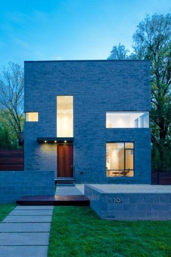Hampden Lane House / Robert Gurney Architect. via ArchDaily.....like