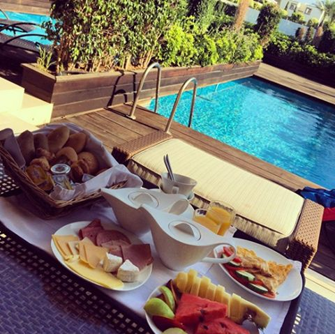 Dive into morning pleasures by your private pool at Ixian All Suites by Sentido! Thank you Melissa for sharing this lovely moment! #IxianGrand‬ #Breakfast_lovers‬