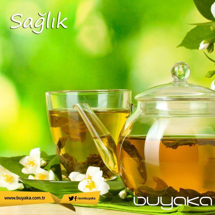 Yeşil çay diğer çay türlerinden farklı olarak fermantasyon sürecinden geçmediği için tüm antioksidanlığını ve polifenollerini korur. Bu maddeler sağlığınızı olumlu yönde etkiler. Kilo kontrolünde ve hatta kanseri önlemede yardımcı olur. Günde en fazla 2 fincan tüketmeniz tavsiye edilir. #BuyakaBiBaşka #Sağlık #Öneri #YeşilÇay #BuyakaAvm