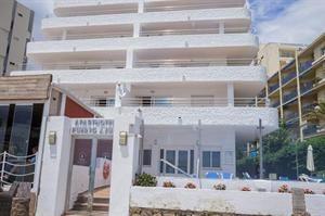 Spanje Costa Del Sol Marbella  Sfeervol complex met uitzicht op zee! Onlangs gerenoveerd dus de appartementen zien er spic en span uit. Ideaal gelegen aan de gezellige boulevard van Marbella. Heerlijk slenteren tot dat ene...  EUR 201.00  Meer informatie  #vakantie http://vakantienaar.eu - http://facebook.com/vakantienaar.eu - https://start.me/p/VRobeo/vakantie-pagina