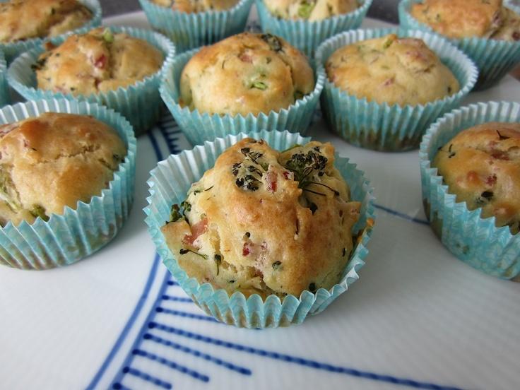 Dinner muffins with ham and broccoli / Madmuffins med skinke og broccoli