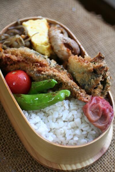 fried mackerel, shishito peppers, omelet, and kimpira gobo. I want.