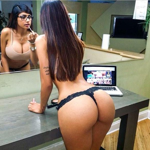 Hot Girl Moving Ass Porn