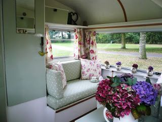 http://myvintageparty.blogspot.co.uk/2009/10/vintage-caravan-interior.html  myvintageparty: Vintage Caravan.... Interior!....really fun and cosy...great place to sit and read..