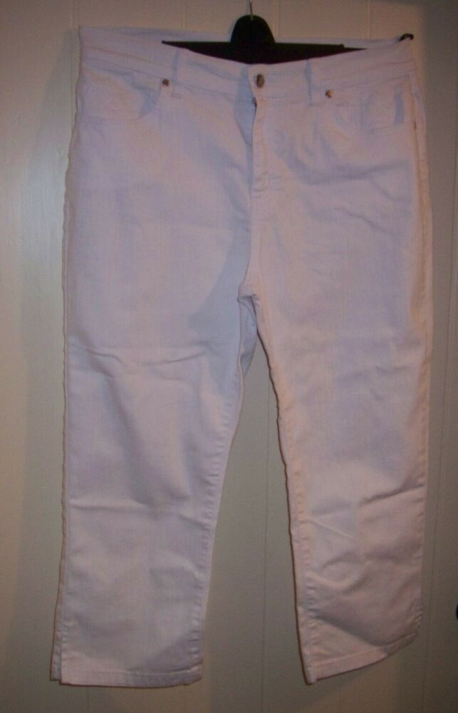 7c549a61d Marks and Spencer Per Una Ladies Size 16 Roma Fit White Cropped Jeans  #fashion #clothes #shoes #accessories #womensclothing #jeans (ebay link)