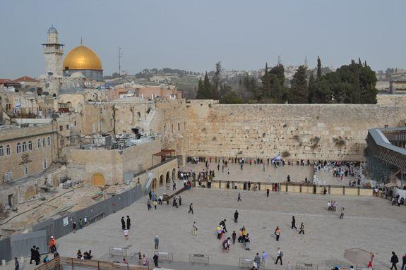 The Western Wall, Jersalem, Israel. http://skabrat.com/2013/03/the-old-city-of-jerusalem-and-yad-vashem/