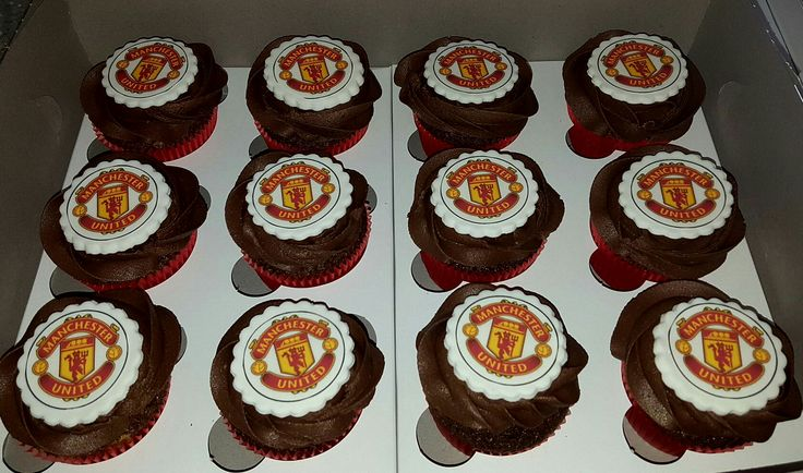Manchester United chocolate cupcakes