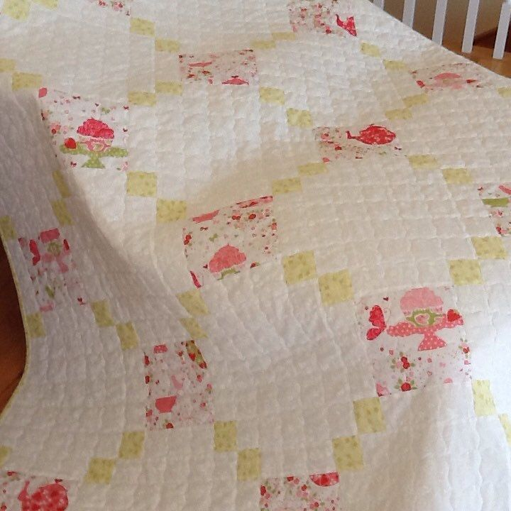 Strawberry Tea Party Quilt