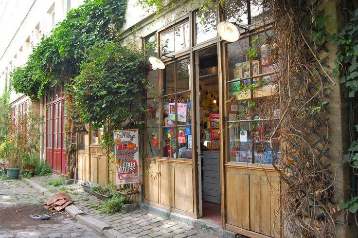Boutique jouets, jeux, librairie... BD Net Récréation Passage Lhomme