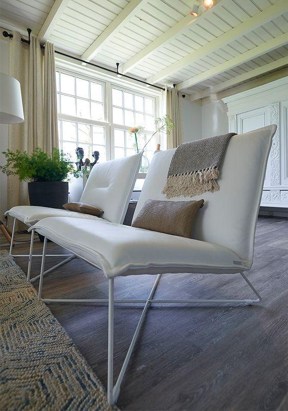 Onmisbaar in elk interieur: een eyecatching fauteuil, zoals Goossens fauteuil Eagle. Deze industriële stoel geeft elke woonkamer een extra oompf. // Goossens @ Villa ArenA