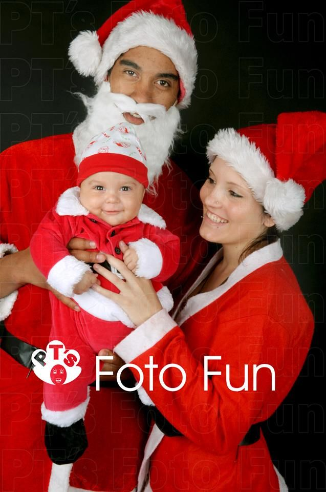 Christmas Traditional- family portrait