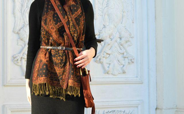 3 ways to style a black knit dress ... Sewionista.com ... Sewing ... Slow Fashion ... DIY ... Blog