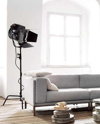 couch in grey fabric And i love the studio light.. perfect for photography couple