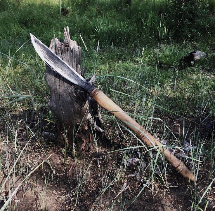 Батыйа мастера Тарабукина Сергея Сталь 70Г Длина клинка 25,8 см Рукоятка берёза, бычий хвост