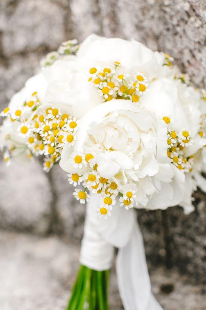 Amsicora - Bouquet da sposa peonie e camomilla per matrimonio chic