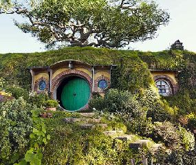 Hobbiton Movie Set Tour  http://roxelle-club.com/fr/magazine/article/un-palace-dans-les-rocheuses