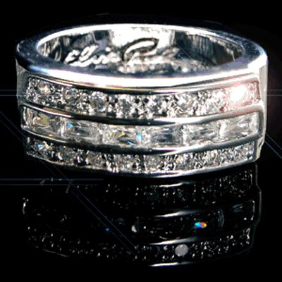 Elvis Wedding Ring - Platinum Plated. Must get hubby one of these for our vow renewal in Vegas!!!