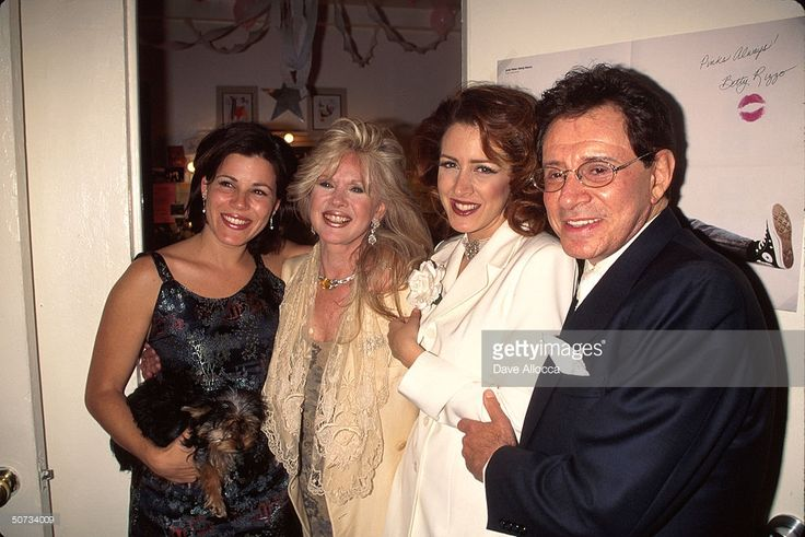 Singer Eddie Fisher (R) and ex-wife, actress Connie Stevens (2L) w. their children, actresses Joely Fisher (2R) and Tricia Leigh Fisher (L).