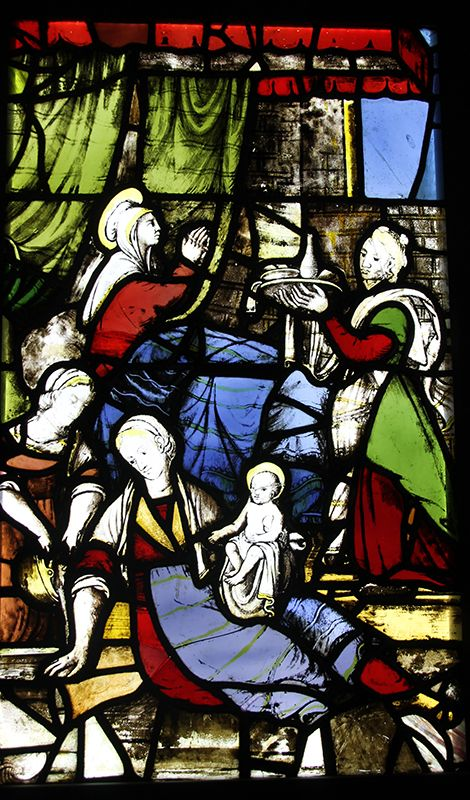 According to tradition, in the past white #bread was given to mothers who had just given birth, as St. Anne in the background of this stained glass window in the #milancathedral #duomodimilano #food
