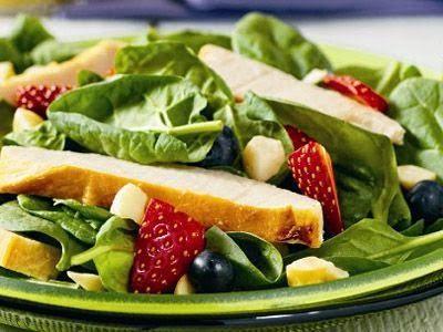 Para hacer un primero vamos a escoger algo refrescante, algo que nos abra el apetito y que no nos deje demasiado llenos.   Una ensalada, e...