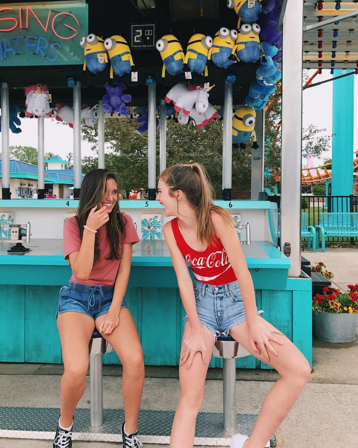amusement park with my best friend! my pic! instagram: hannah_meloche pinterest: hannahmeloche