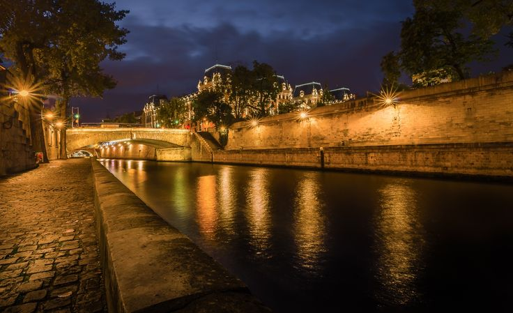 La Seine in Paris by night by Timo Kofod on 500px