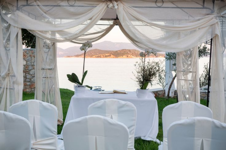 If you want to organize a dreamy #wedding ceremony and reception, Skiathos is the perfect destination. Surrender to the magic of the island and let us in Kassandra Bay Resort take care of the rest! #Skiathos #Greece #Weddings