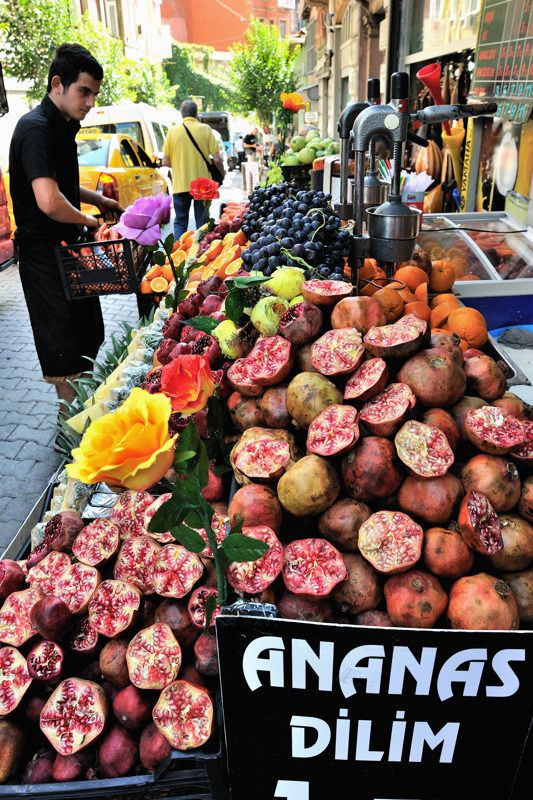 fresh squeezed pomegranate juice on the streets of istanbul
