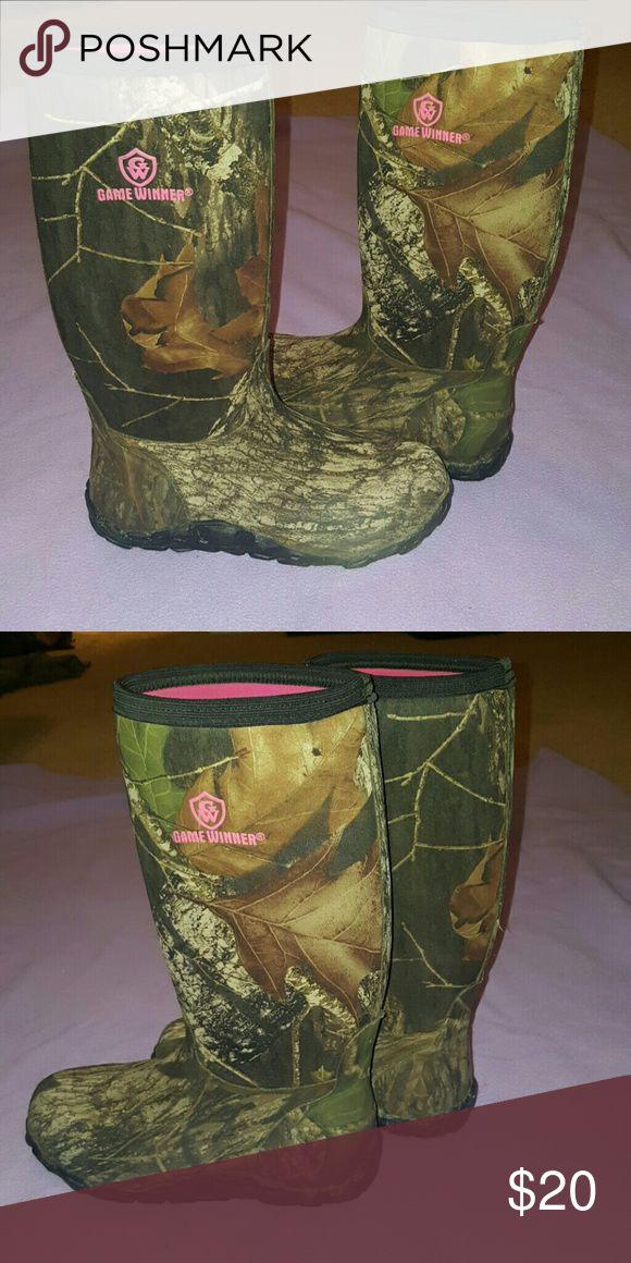 Camo mud boots - worn once Camo mud boots - worn once! Game Winner Shoes Winter & Rain Boots