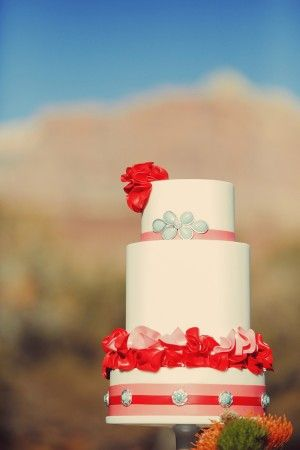 cake with ribbon and roses /// #cake #wedding #ribbon #roses #wedding #red #pink #aqua #party