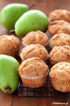 <p>Wilgotne, treściwe muffinki, pełne kawałków gruszek i białej czekolady. Bardzo szybkie i proste w przygotowaniu.</p>