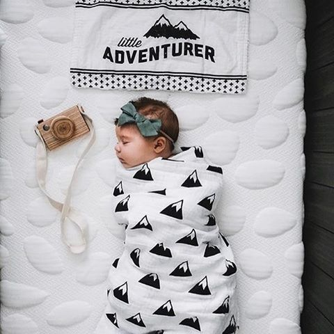 Oh darling, let's be adventurers! This little tiny couldn't be any sweeter, wrapped up tight in this mountains swaddle. Image by @amandaseeyoudarrr // @ilovelucyciurdar