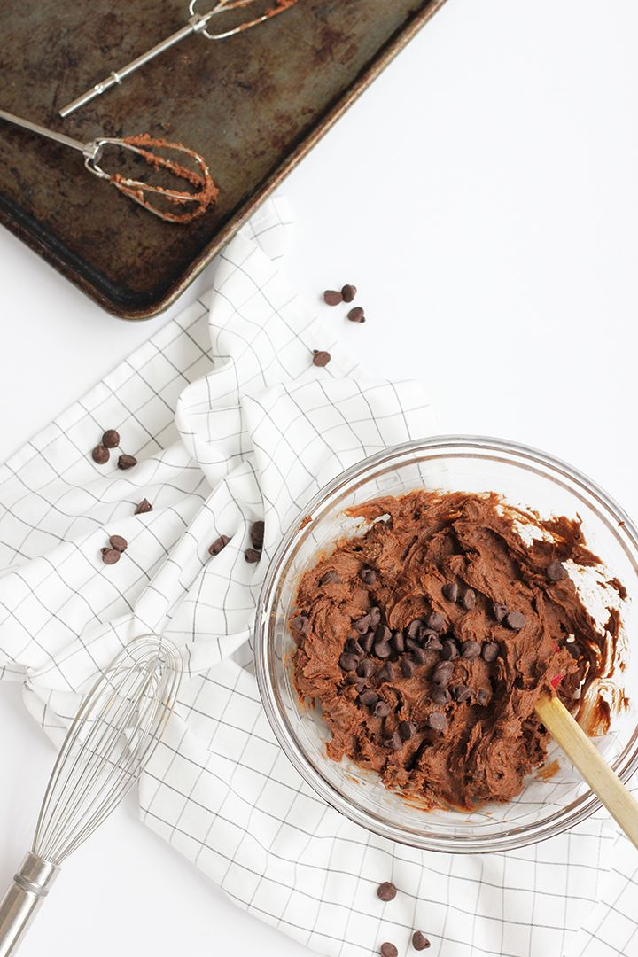 Best Iced Chocolate Cookie Recipe | alice & lois