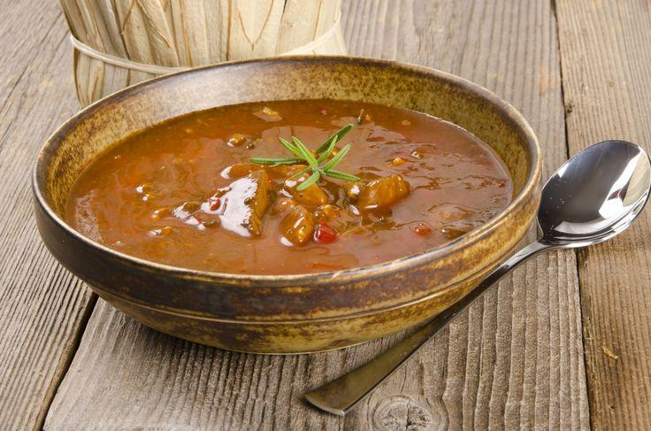 Lencsegulyás recept. Válogass a többi fantasztikus recept közül az Okoskonyha online szakácskönyvében!