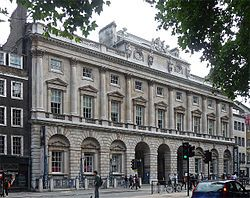 Courtauld Gallery - Wikipedia, the free encyclopedia. (official website: http://www.courtauld.ac.uk/GALLERY/)