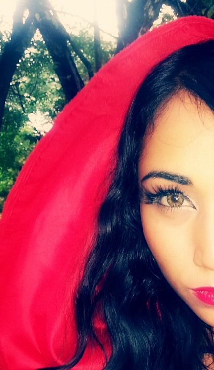 Red Riding Hood Makeup + 1 Minute NO SEW Cloak