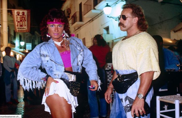 Female and male bodybuilders in an Ibiza nightlife district 1990 http://pic.twitter.com/V14lbfAF8j   Lost In History (@HistoryToLearn) September 27 2017