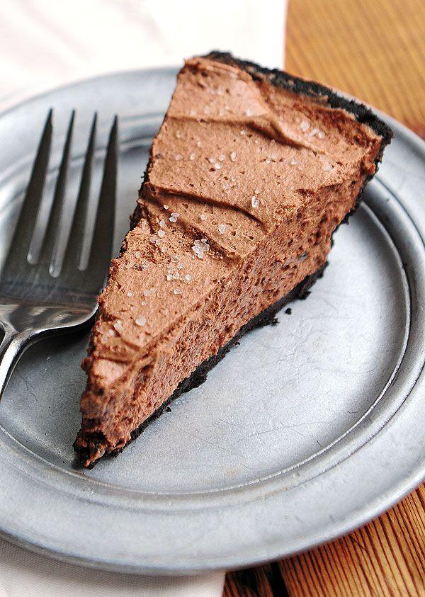 Bailey's Salted Caramel Chocolate Pie. Yum.